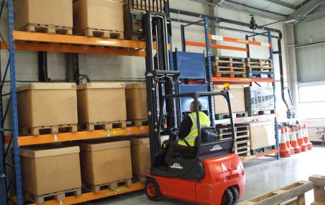 1_1489091731_Forklift-training-courses-at-the-training-centre.JPG